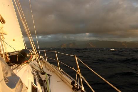 Wir segeln über Nacht nach Nuku Hiva